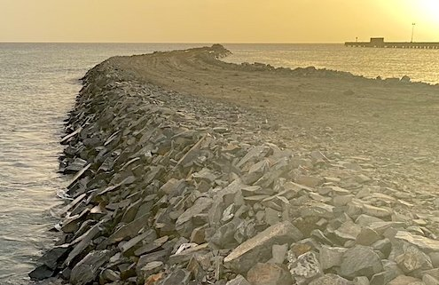 Maio port causeway